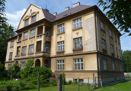 Bytový dům s 10 byty, podlahová plocha bytů 1.475